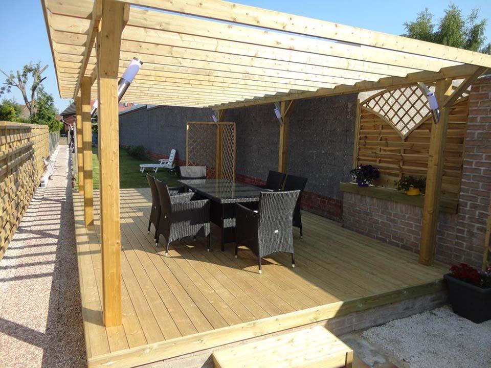 Vierkante palen hout voor tuinconstructies